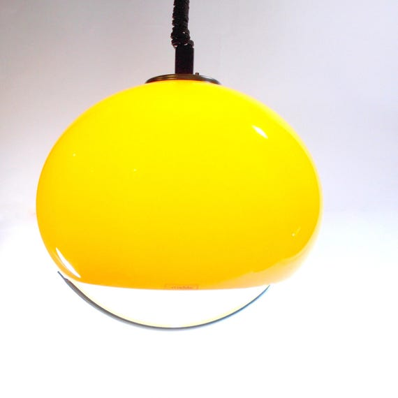 Guzzini pendant lamp, Rare Yellow ceiling lamp, Vintage pulley pendant light, Space age lamp, Pull down pendant lamp, Spheric lamp, 70s