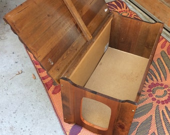 Cat litter box chest