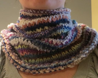 "Collar ""crazy Zebra"" hand knit in an assortment of texture"