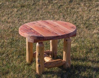 Red Cedar Log Indoor/Outdoor Round Side Table - Amish Made - Model# WWR-05-016RC - Free Shipping!