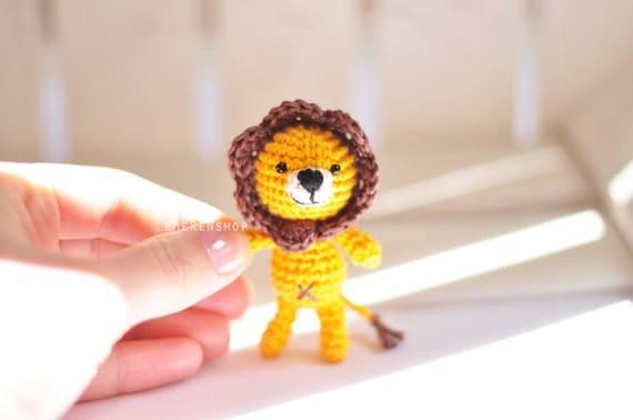 Amigurumi Monkey Keychain : Crochet keychain Lion Amigurumi Keyring Little Lion