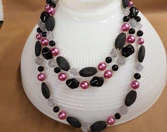 black and pink 3 strand necklace