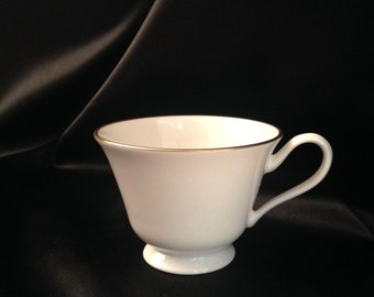 LENOX SPECIAL Bone China/Lenox Special gold trim on white footed cup/Discontinued Lenox SPECIAL pattern/Lenox Special Bone China 01 Oxford