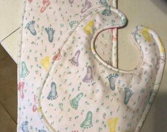Baby Bib with Matching Burp Cloth - Girl - Footprints Pattern