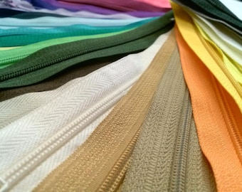 50 Nylon Zippers 18 Inches Coil #3 Closed Bottom Assorted Colors (50 zippers)