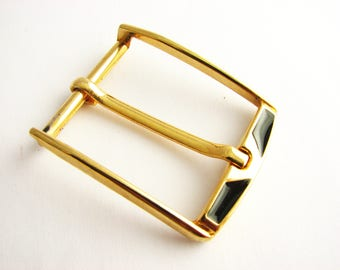Gold metal buckle with black enamel, D belt buckle in two sizes to choose from, unuesed!
