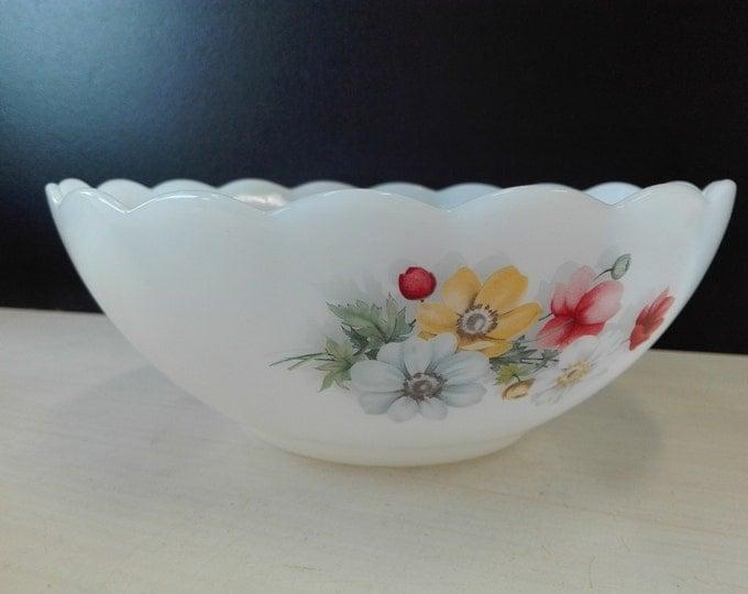 Arcopal flowers, bowl