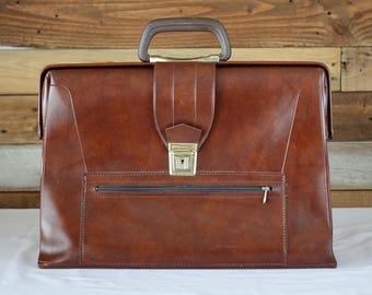 Vintage briefcase - Brown faux leather bag - 1970s top handle bag - School bag - Laptop Case - Business briefcase - Retro Bag