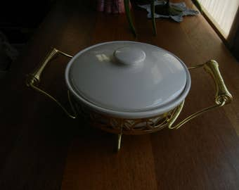 Miramar of California Divided Casserole Dish with Spring Handle Caddy #866