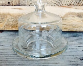 Vintage salt cellar with lid, clear glass