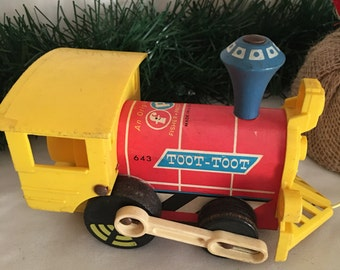 Vintage Fisher Price Toot Toot Train 643, Pull Toy, Vintage Wood Toy, Collectible Toy, Vintage Train