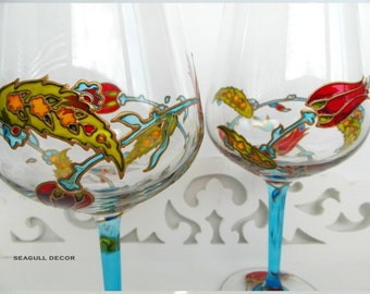 2 Turkish wine glasses. Set of 2 personalised wine glasses. Handpainted glasses Gifts for couples Gift for any occasion. For wine lovers