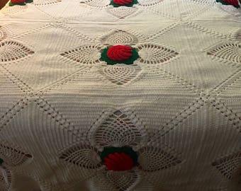 1970's Roses Crochet Bedspread