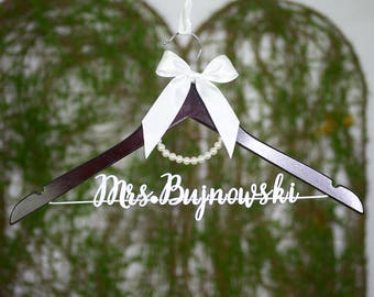 Wedding Shower Gift, Personalized Wedding hanger, Bridal Hanger, Judge Gift, Navy Wedding, Bridesmaid Thank You , Bridesmaid Photo vet0012