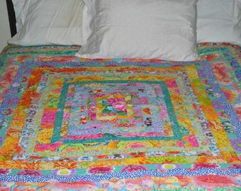 Fabulous Flowering Log Cabin Quilt