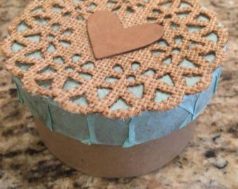 Mint Doily Gift Box