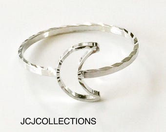 Silver Moon Crescent Ring / Hammered Moon Ring