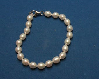 Vintage Hand Knotted Freshwater Pearl and Sterling Silver Bracelet