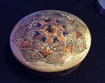 Copper trinket/storage tin