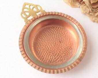 Plat avec insertion de verre en cuivre / cendrier en cuivre / cuivre plat / cuivre plateau / petit cuivre plat / plat de bijou / changement plateau / anneau plat