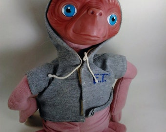 Vintage Extra-Terrestrial/E.T. 1982 Stranded Alien On Earth/Plastic HeadAnd Plush Body With Hard Bottom/Clean In Great Condition  L