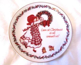Vintage 1981 Holly Hobbie Christmas Plate, American Greetings Corp.