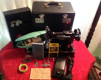 Singer Featherweight Sewing Machine and Accessories