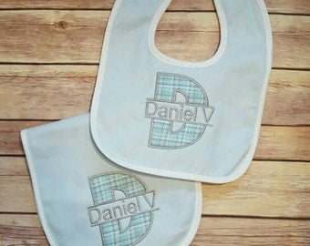 Personalized Infant Bib and Burp Cloth set, Boy baby gift set,  Monogrammed Bib and Burp Cloth,  Embroidered Infant Set Baby Shower Gift