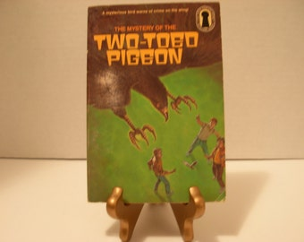 The Three Investigators, Mystery Two Toed Pigeon, Paperback, #37, Random House,  Free Shipping