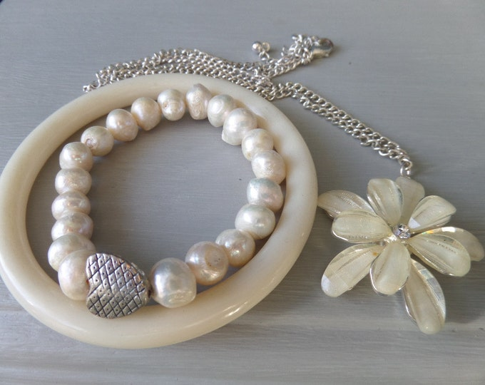 FREE SHIPPING Ivory Necklace, Bracelet and Bangle Set, Ivory Resin Flower, Rhinestone Solitaire Detail, Silver Tone Metal Chain, Ivory Resin