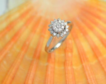 14K White Gold Snowflake Ring with Diamonds