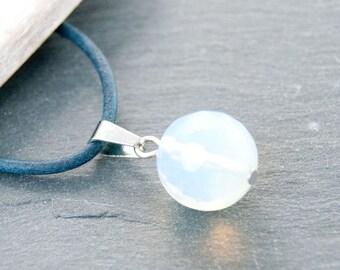 1 x white gemstone Opalite pendant 14 mm #3757