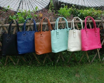 Scalloped Totes, Personalized Pocketbooks, Personalized Tote