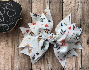 Colorful arrows spike bow