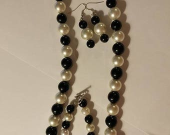 Black with Pearl necklace with bracelet and earring set
