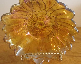 Vintage Carnival Iridescent Golden Amber Glass Flower Daisy
