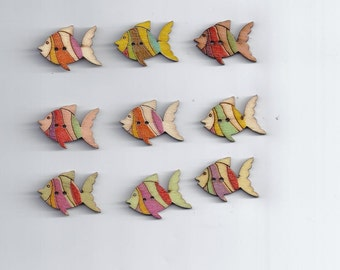 10 Pcs Mixed Colors Fish Wood Button (190)