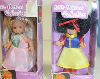 2 Dolgen Little Princess Dolls  4 inch Dolls  Snow White Princess Doll   4 inch Princess Dolls