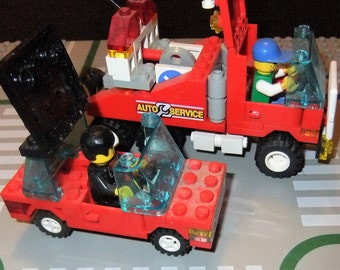 Lego Auto Service truck and car with base