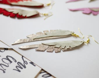 Leather Feather Earrings Gold + beige