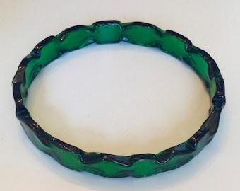 Emerald green glass resin bangle bracelet