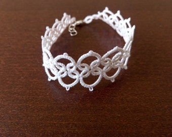 White Romantic Tatted Lace Bracelet, White Lace Wedding Bracelet, White Romantic Bracelet
