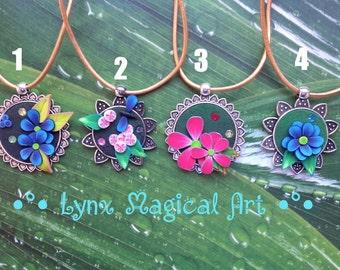 Flower cameo/pendant