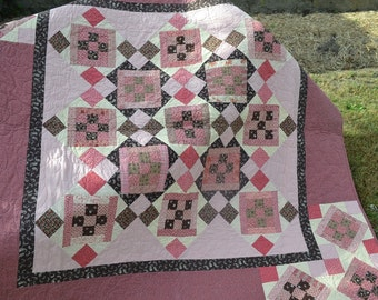 Finished Reproduction Quilt Chocolate Latte