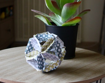 ORIGAMI#03 - Origami paper ball - White green and grey dots
