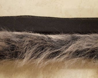 "Black and White Faux Fur "" Grey Fox"" Trim by Simplicity"
