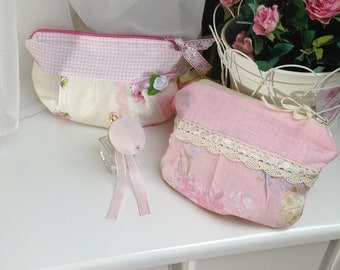 Sweet bags in pink or cream