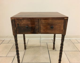 Antique Style Shaker table