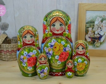 Nesting dolls, Gift for wife, Matryoshka in green floral design, Russian art, Wooden hand painted stacking dolls, Gift for woman, Babushka