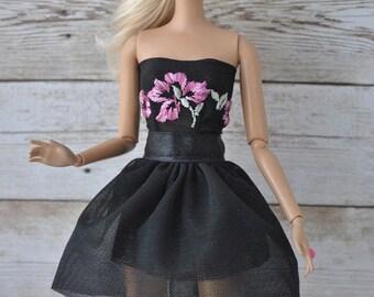 Beautiful handmade dress for Barbie Fashionistas dolls